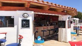 Opportunità commerciali lucrative - Bar in piscina a Santa Eulalia con vista sul mare in vendita