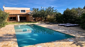 Villa con piscina in Can Nebot